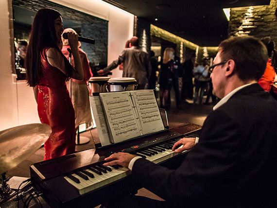 Breeze, Pan-Asian Jazzy Sunday Brunch with live music